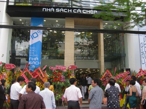 Tổ chức sự kiện khai trương nhà sách cá chép Cho thuê âm thanh ánh sáng chất lượng tại TPHCM
