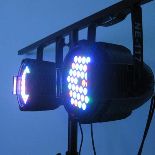 thiết bị chiếu sáng sân khấu nhiều màu